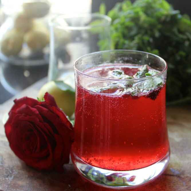How to make Rose Lime Soda - A refresher for summers
