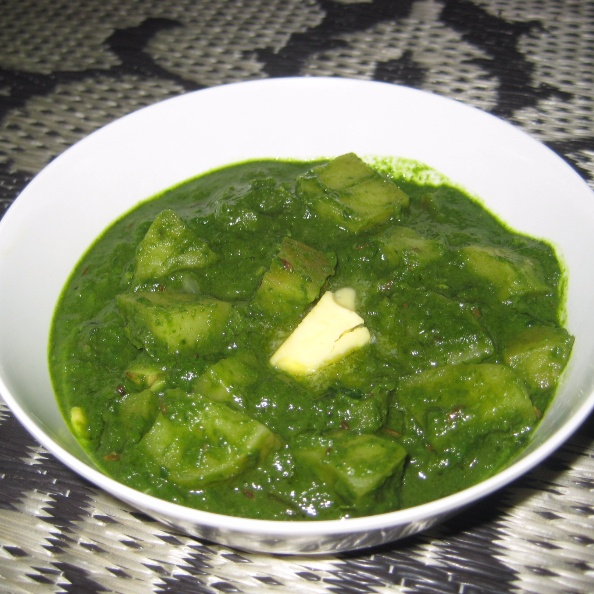 Photo of Aloo Palak by Amrita Roy at BetterButter
