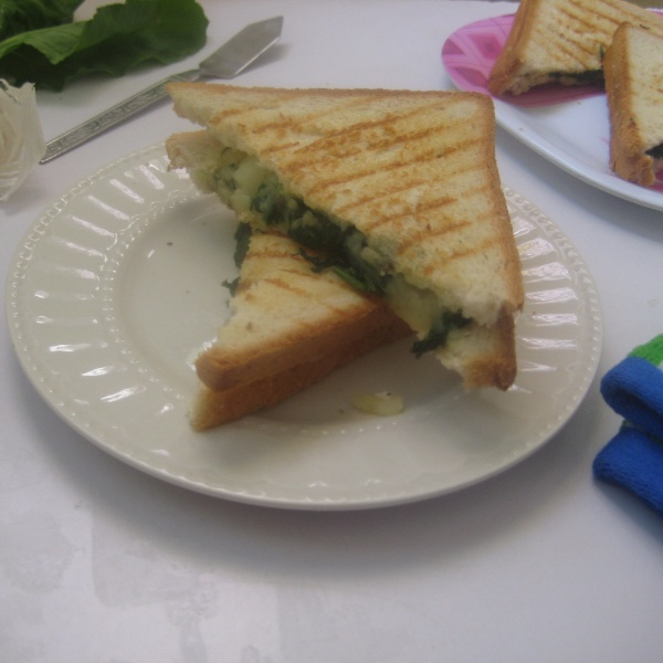 How to make Cheesy Spinach Sandwich