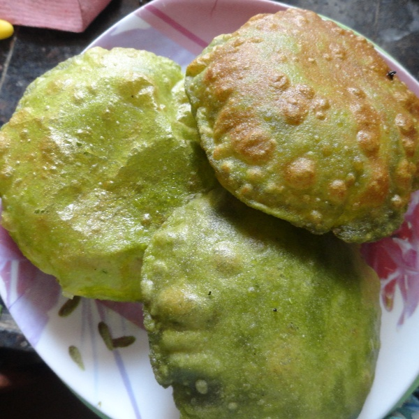 How to make Palak/Spinach Puri