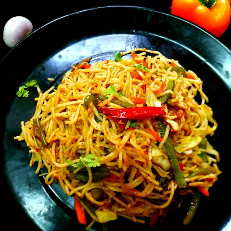How to make Restaurant Style Hakka Noodles
