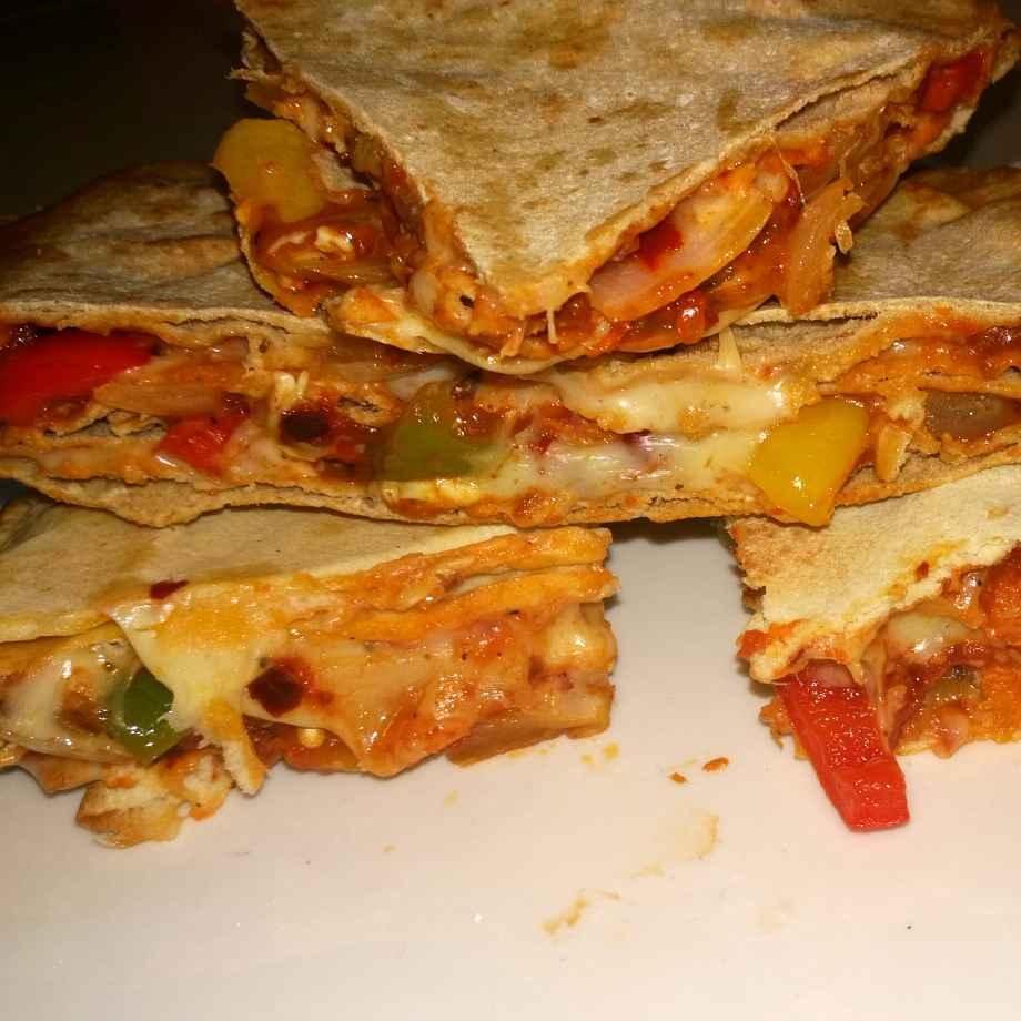 How to make Bachi hui roti ka healthy pizza