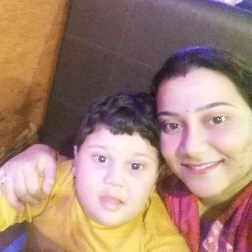 Ananya Roy Pratihar food blogger