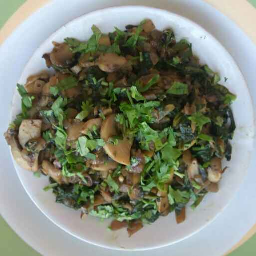 Photo of Mushroom & Spinach Stir Fry by Anil Pharande at BetterButter