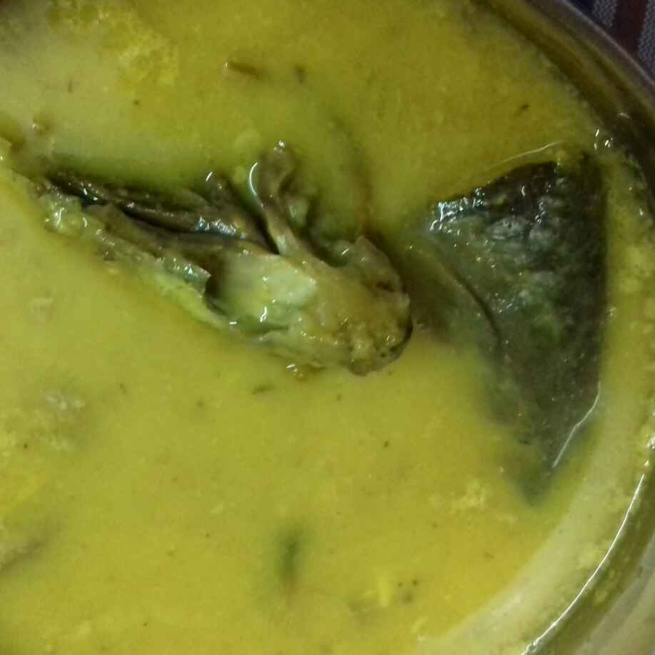 How to make Ilish macher matha diye mug daal