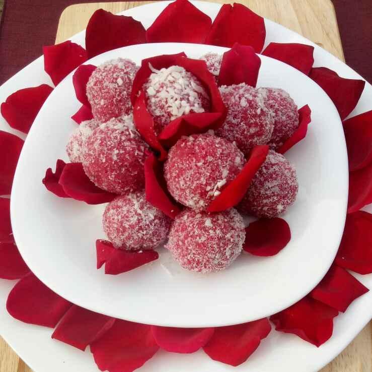 How to make Strawberry Coconut Laddu