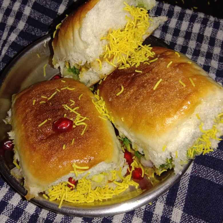 Photo of Mix sparaots kcchi dabeli by Anita Bhawari at BetterButter