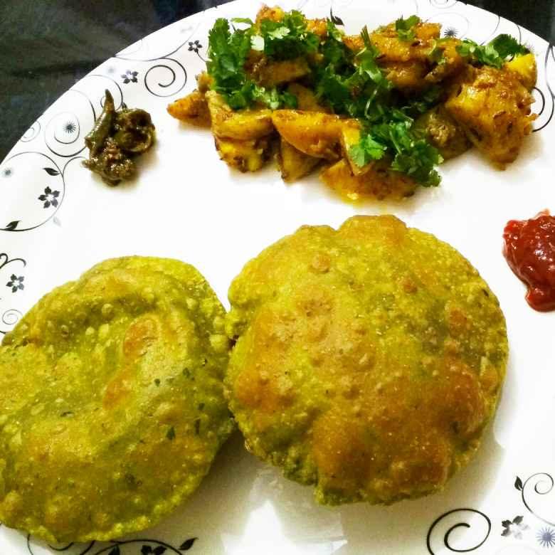 How to make पालक पूरी आलू सब्जी के साथ