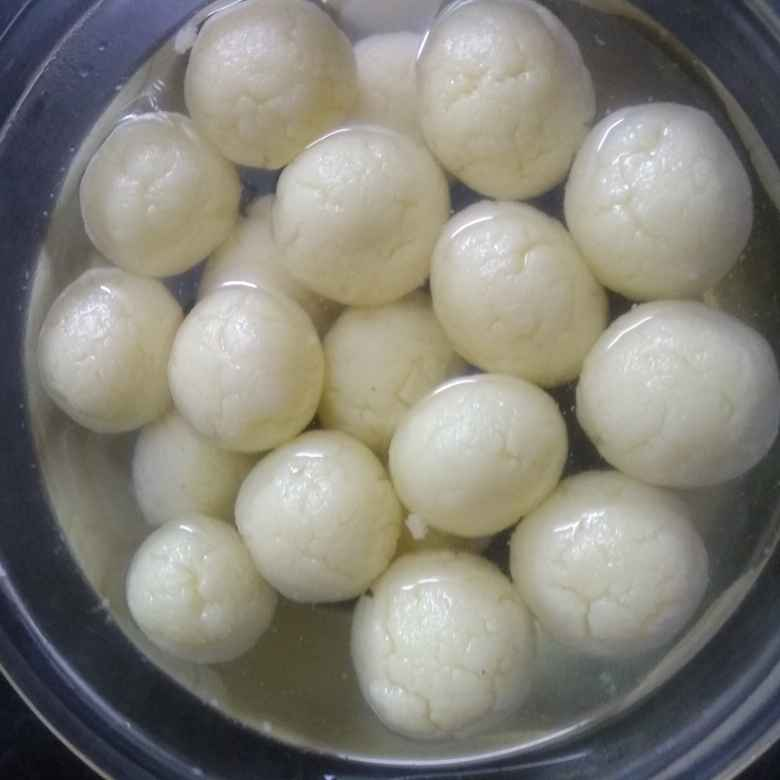 Photo of Rasagulla by Anitha Nagarajan at BetterButter
