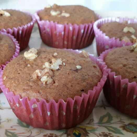 How to make Banana and walnut cupcakes