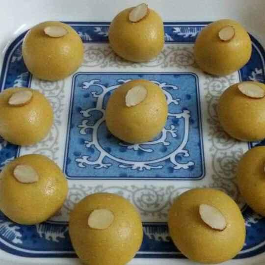 How to make Microwave Besan Ladoos
