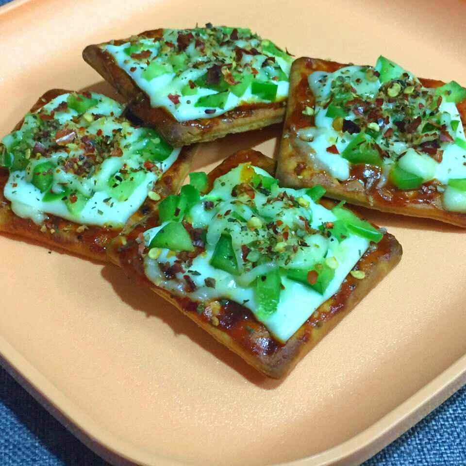 Photo of Crispy Cracker Pizza Bites ! by Anjali Suresh at BetterButter