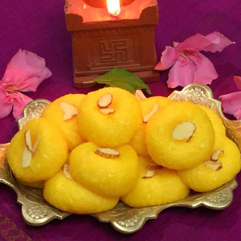 How to make Custard flavoured Sandesh !!