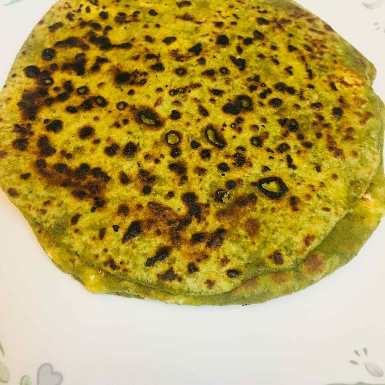 How to make Paneer stuffed Palak parantha