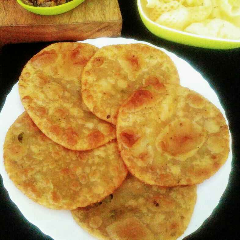 Photo of Green peas puri with green apple chutney by Anjali Valecha at BetterButter