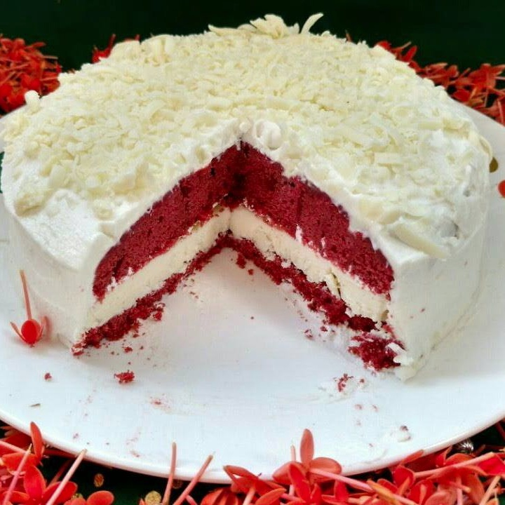 Photo of StarBucks Red Velvet Cheesecake Cake by Anju Bhagnari at BetterButter