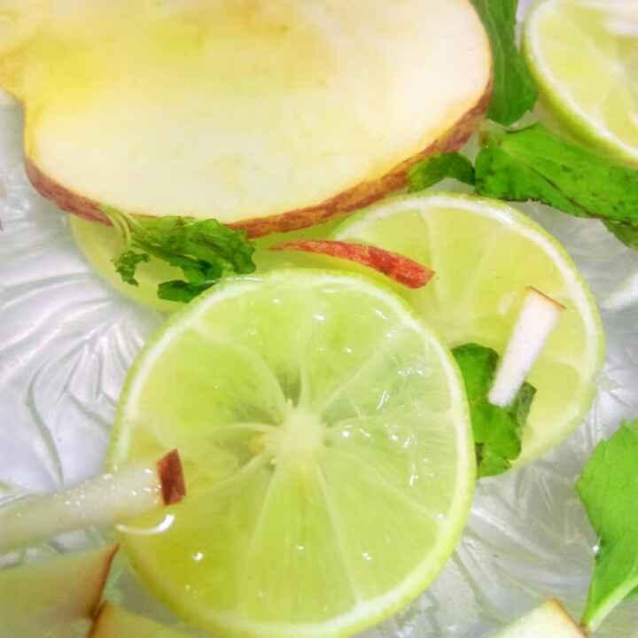 How to make Apple Detox Drink