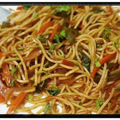 How to make Garlic Noodles & Red Thai Curry (Veg)