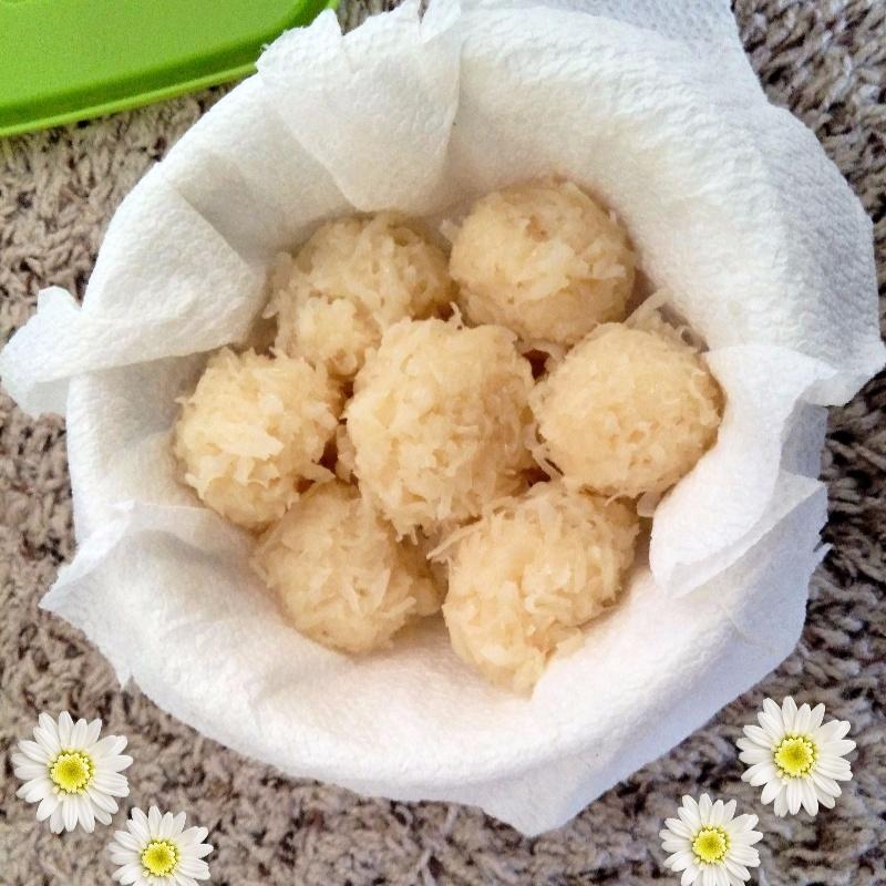 How to make Coconut sweet balls (nariyal ke laddu)