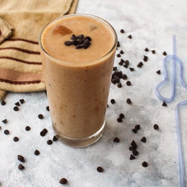 How to make Sapota Milkshake / Chikoo Milkshake