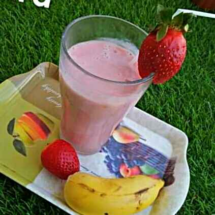 Photo of strawberry banana shake by antara basu de at BetterButter