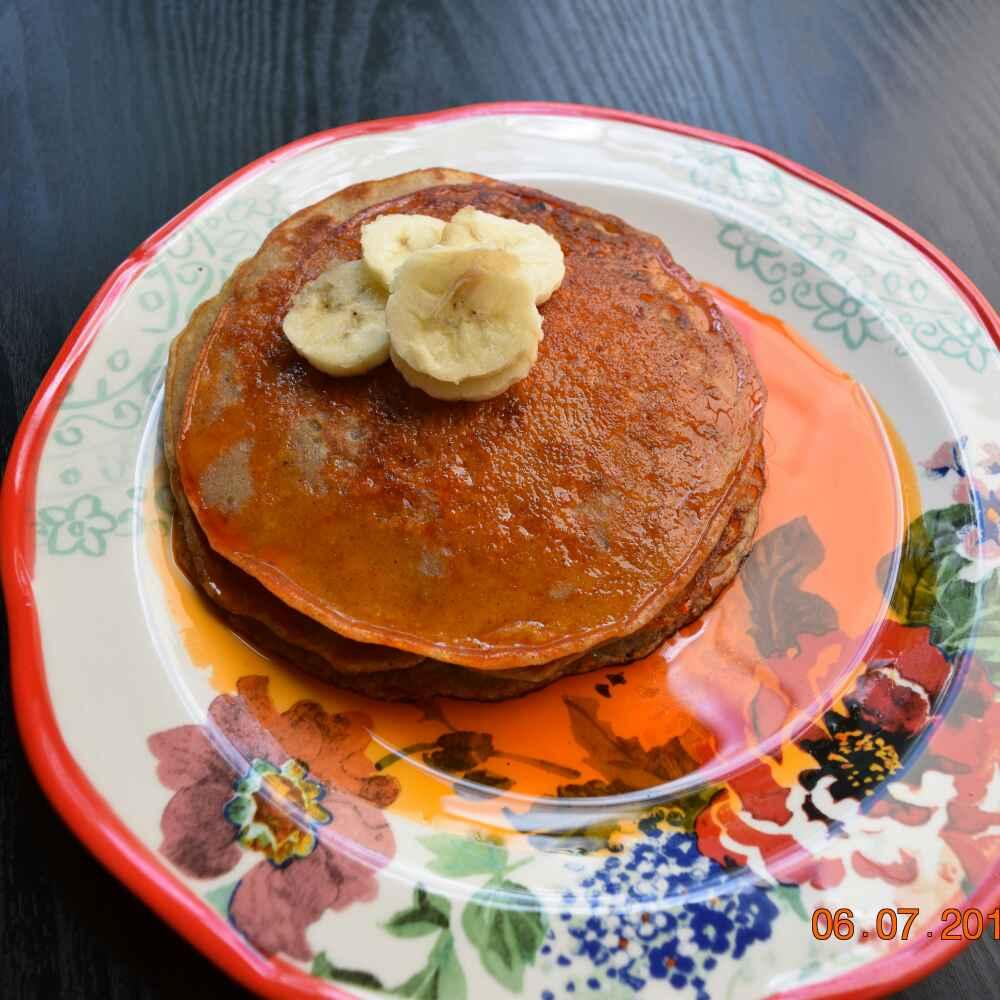 How to make Banana Pancakes with cardamon sugar syrup