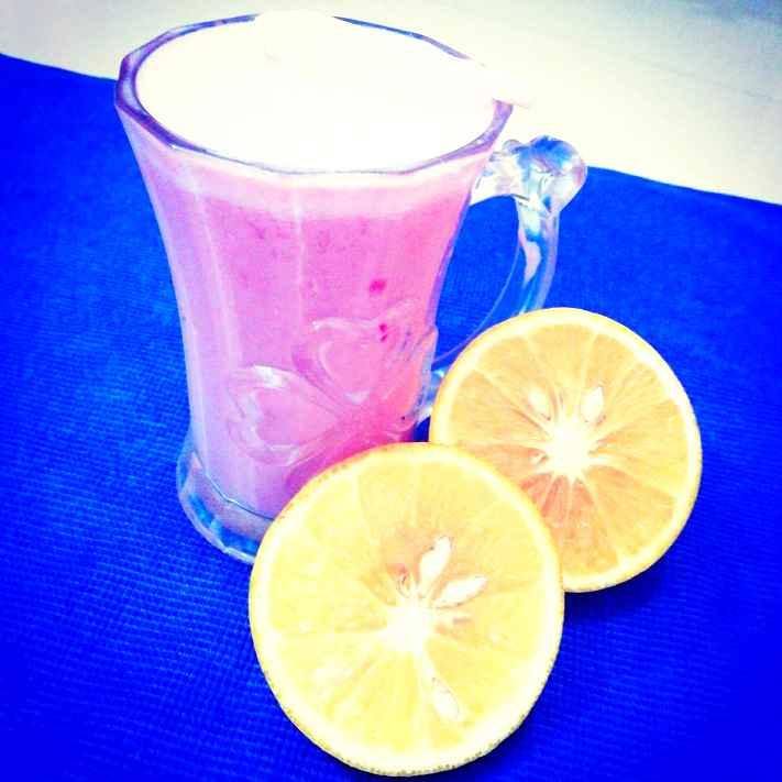 How to make Mosambi Strawberry Crush Milk Shake