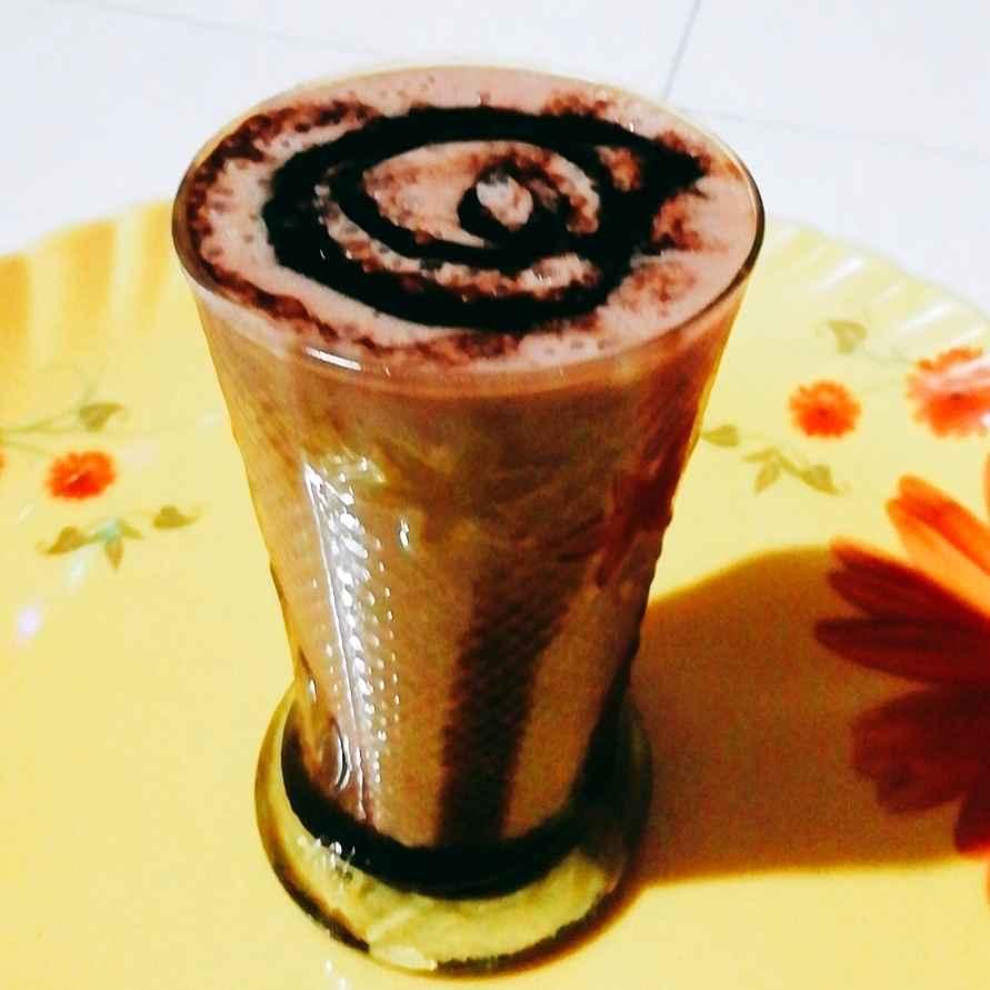 Photo of Choco Banana Milk Shake by Antara Chakraborty at BetterButter