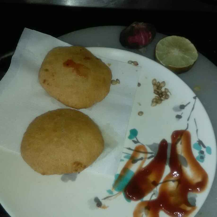 How to make Aloo pyaz kachori