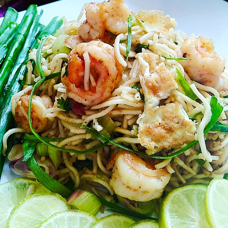 How to make Pad Thai ( Thai style fried noodles)