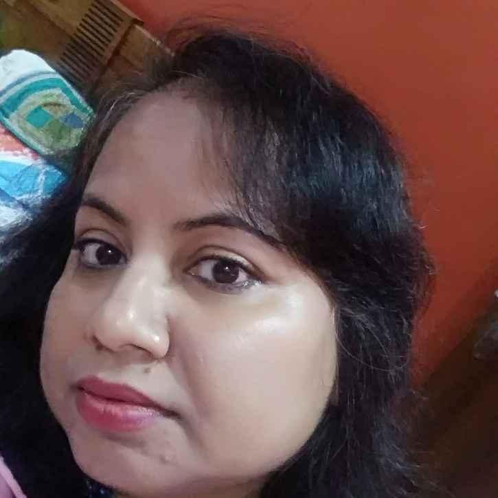 Aparna Das food blogger