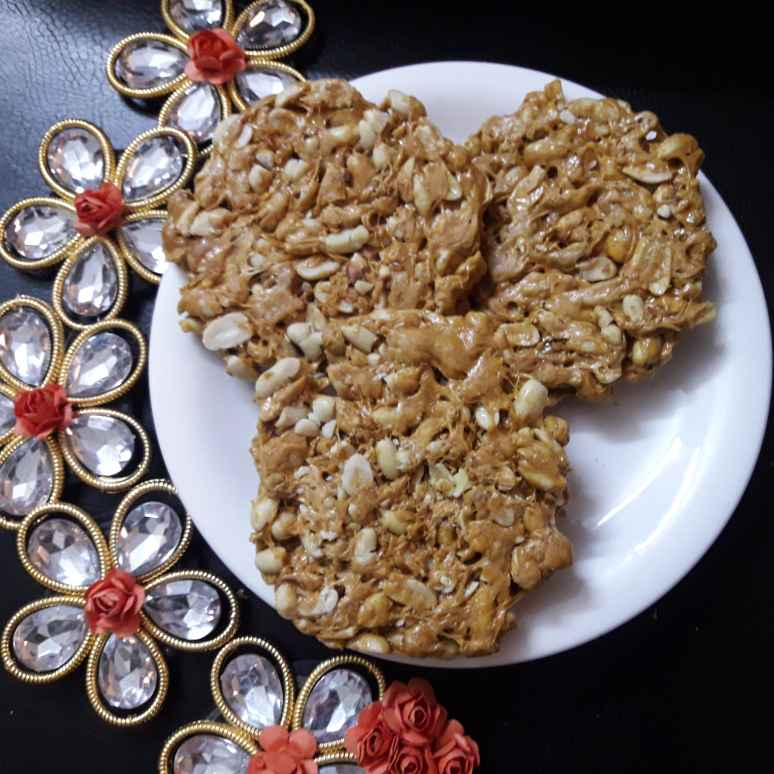 Photo of Peanut chikki / Brittle  by Aparna Reddy at BetterButter