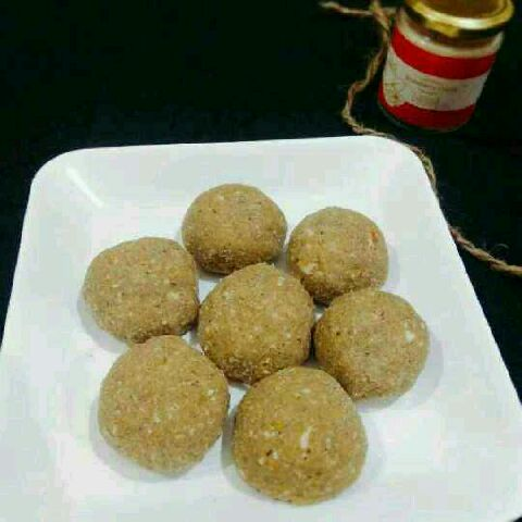 How to make Methi ke laddu