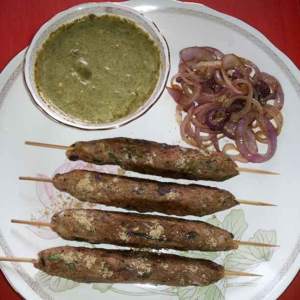 How to make Kachche kele ke seekh kabab