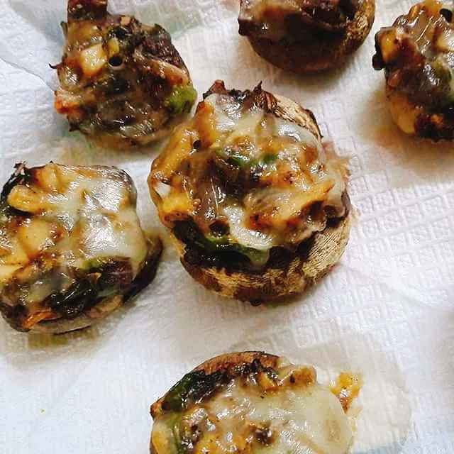How to make Spicy nutty stuffed baked mushrooms