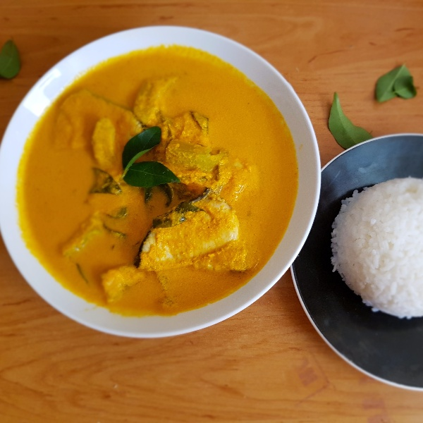 How to make Raw Mango Coconut Fish curry