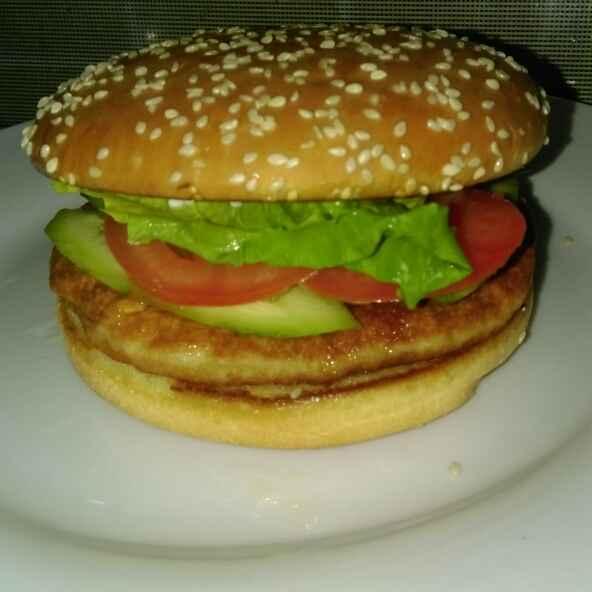 Photo of Jumbo chicken burger by Asiya Omar at BetterButter