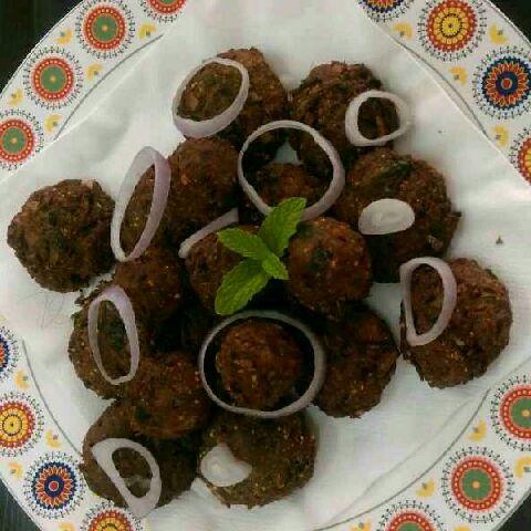 How to make Kari vadai & kari kola urundai