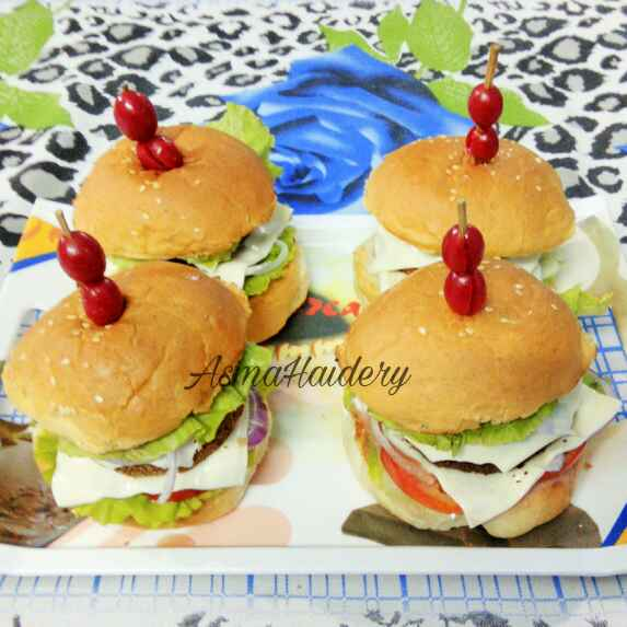Photo of Lababdar Chicken Burger by Asma Haidery at BetterButter