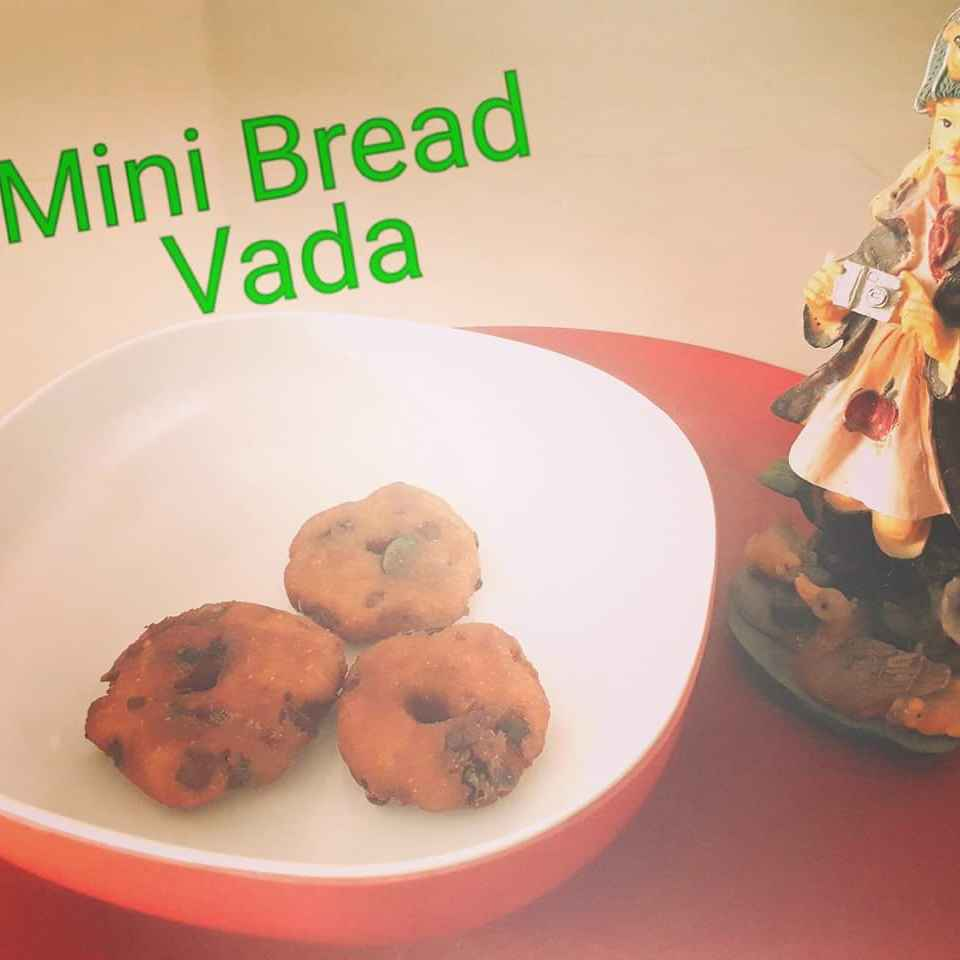 Photo of Bread Mini Vada by Athilakshmi Maharajan at BetterButter
