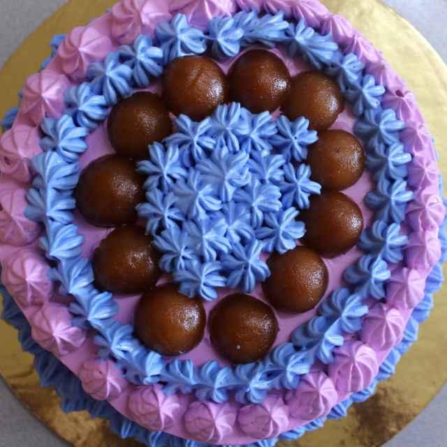How to make How To Make A GulabJamun Fusion Chocolate Cake