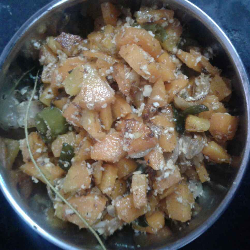 Photo of Meen Maasi carrot poriyal by Aysha Siddhika at BetterButter