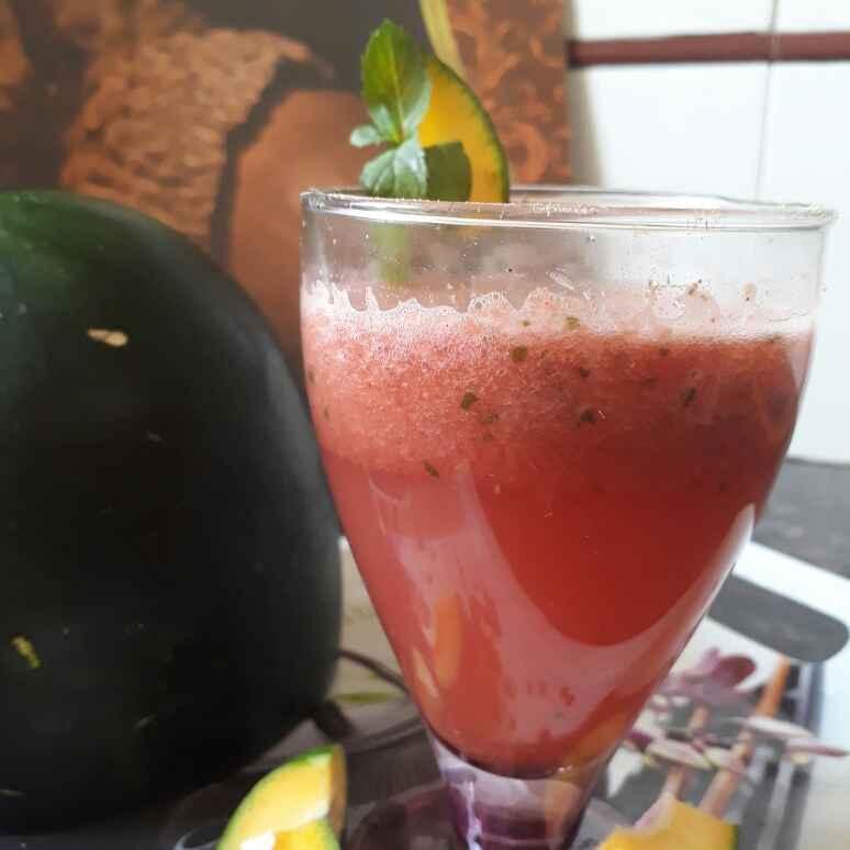 How to make Watermelon minty virgin mojito