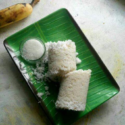 How to make Puttu / Rice flour puttu