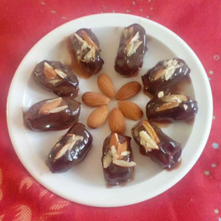 How to make Almond dates chocolates