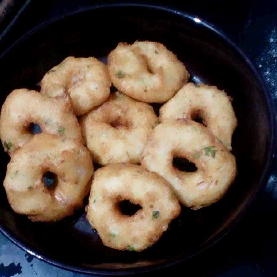 Photo of crispy ulundu vadai by Reshma Babu at BetterButter