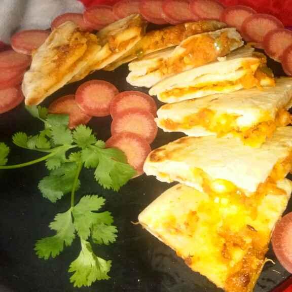 Photo of Spicy carrot garlic kulcha by Bansi chavda at BetterButter