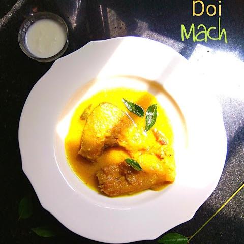 How to make Doi Mach (Fish In Creamy Yogurt Gravy)