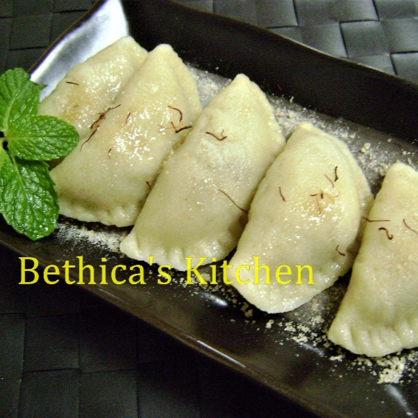 How to make Bhapa Puli Pithe - Bengali Sweet