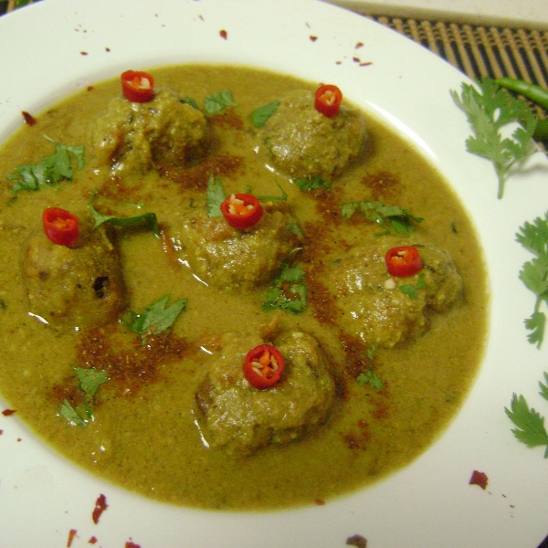 How to make Kancha Kola Kofta Torkari